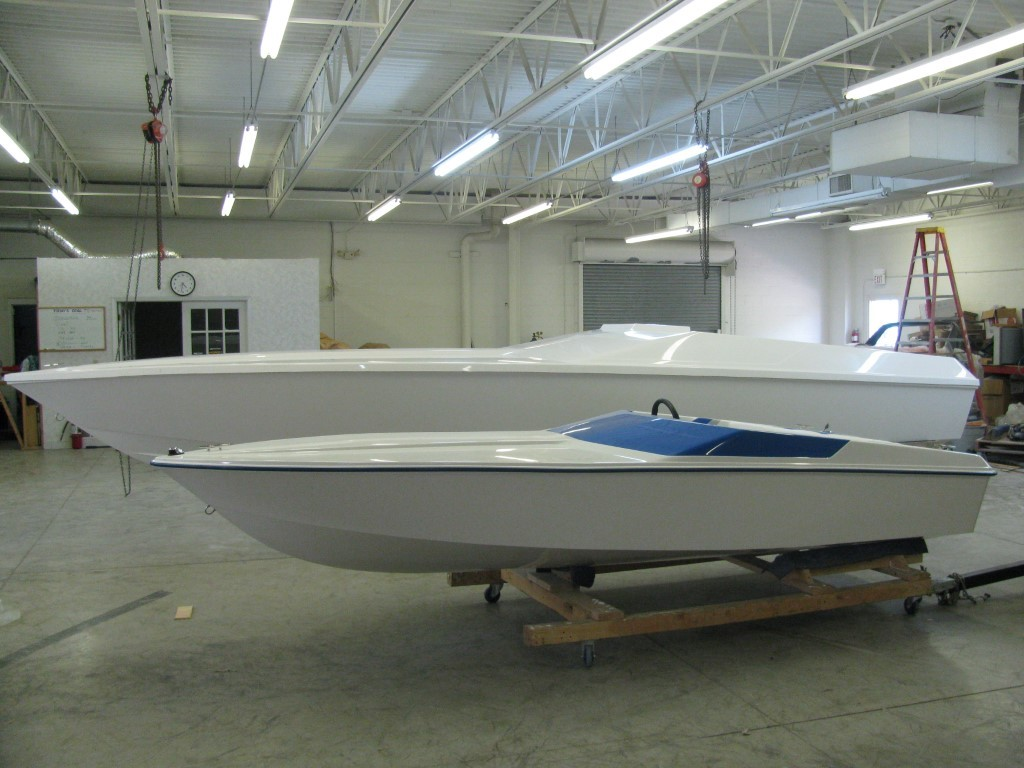 X-15 X-27 White Speedboats